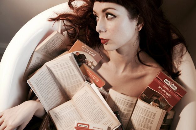 The Anchoress-What Goes Around (acoustic)